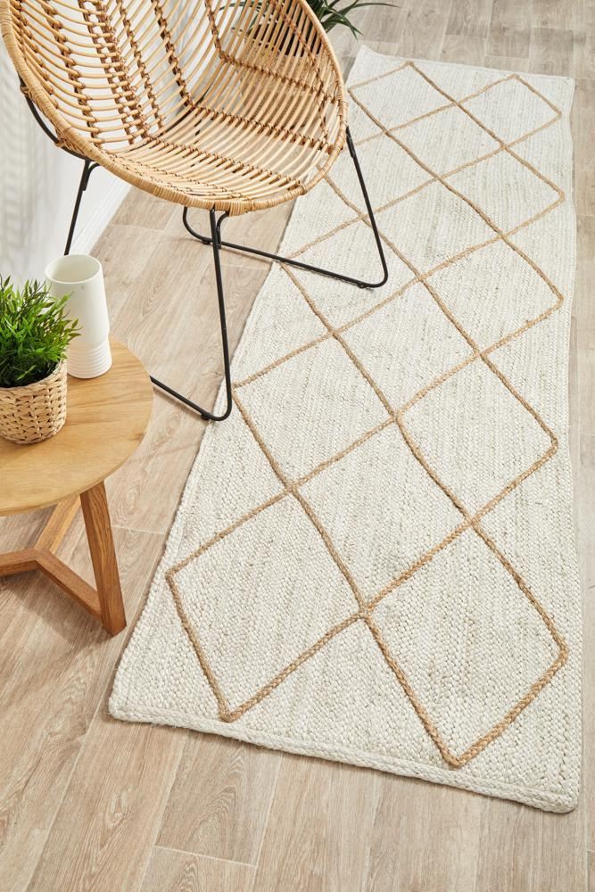 Image of Noosa 222 White Runner Rug - 300X80CM