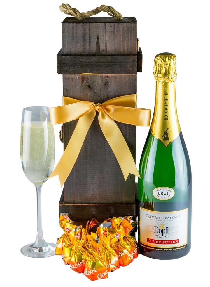 Crisp Cuvee - Gourmet Wine Gift Hamper