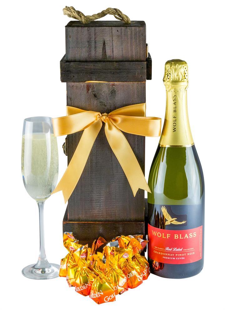 Wonderful Wolf - Wine Gift Hamper
