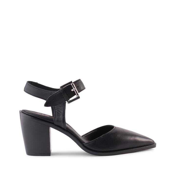 Image of Crafted in Spain, Siren brings you the Mirar Collection. For a touch of sophistication, try the Estefan in luxurious black leather. This design has an adjustable fastening that wraps around the ankle. Ideal for work or play, Estefan offers functionality a