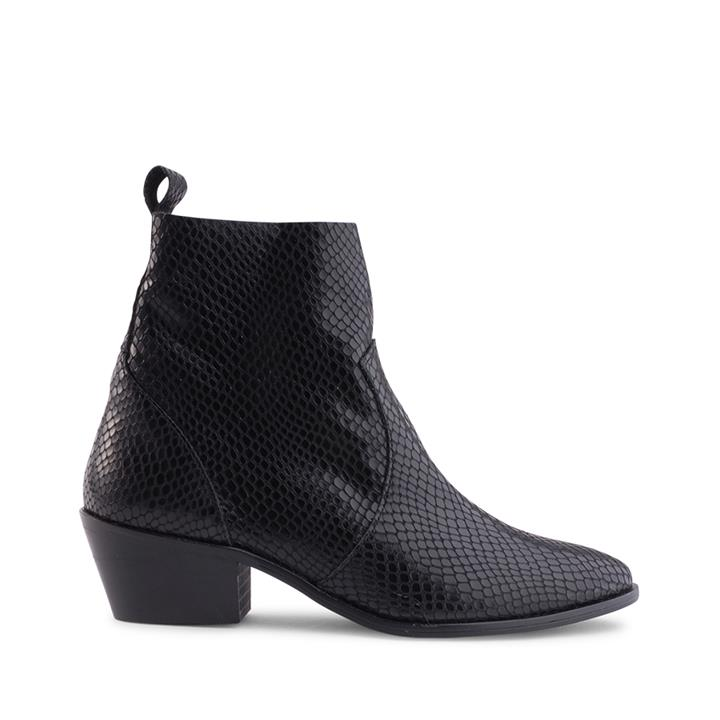 Image of Crafted in Spain, Siren brings you the Mirar Collection. No winter outfit is complete without a pair of heeled ankle boots. Crafted from a genuine leather in a snake-embossed finish, Goucho boot is the perfect addition to any wardrobe.    Product descript