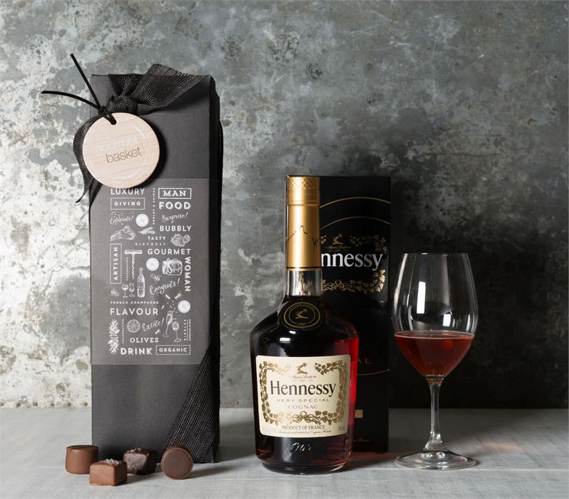 Image of Hennessy Very Special Cognac Hamper