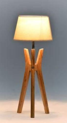 Arrowhead Classic Tripod Table Lamp - Natural