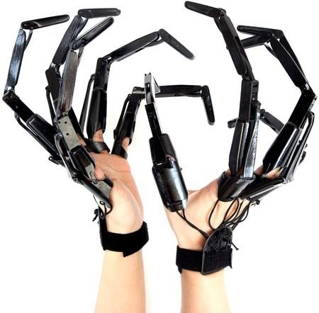 Image of 1 Pair Halloween Articulated Fingers, Halloween Cosplay Prop Gear Realistic Skeleton Bone Claws Extender with Flexible Joint Fits All Finger Sizes (Black)
